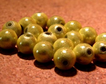 10 pearls magic - miracles-8 mm - 3D - pale olive green - PE157 effect