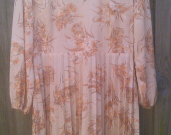 Size 16 Plus Size Vintage Cream and Brown Floral Pleated Dress