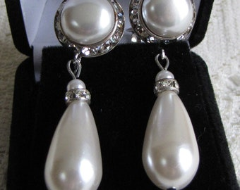 Pearl Drop and Rhinestone Earrings (clip on) Vintage Jewelry and Accessories (Faux)