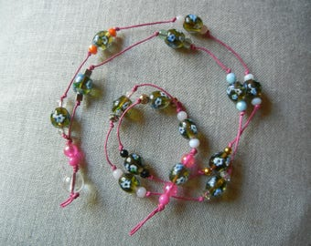 short necklace with glass beads, flower beads