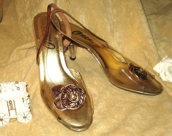 Onex Slingback Clear Lucite High Heels with Copper & Gold Rose - 8 1/2-9 - Cinderella - 70s Vintage