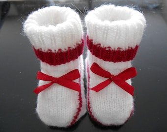 wool baby booties size 0-3 months