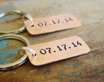 Couples Gift,Set of 2 Date Keychains, Copper Anniversary Gift, Wedding Date, Wedding Gift, His Hers, Keychain Men Women, Couples Keychain