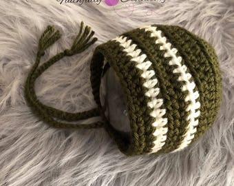 Newborn bonnet... forest green baby bonnet... photography prop.. ready to ship