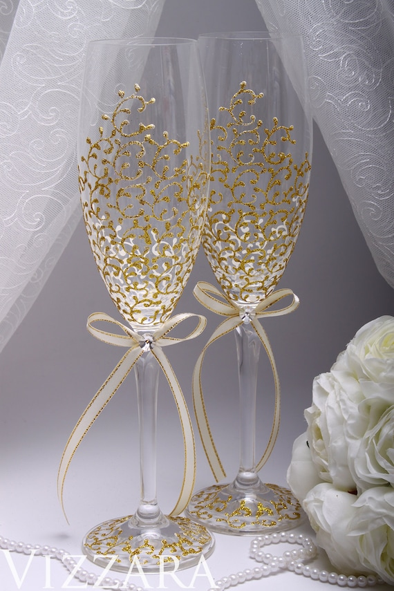 Personalized champagne flute Gold champagne flutes Gold