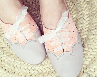 Oxfords Shoes Handmade Scalloped Light Taupe Cream and Peach Leather Laced Shoes