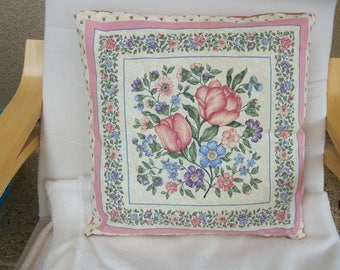 Cushion full bouquet of flowers pattern