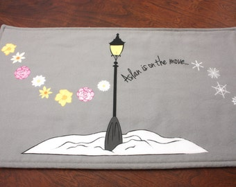 Chronicles of Narnia Burp Cloth. Unique Handmade Baby Gift. The Lion, the Witch and the Wardrobe. Aslan. Narnia Baby Shower.