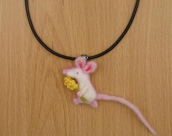 Mouse necklace,mouse pendant,needle felt mouse,felt mouse,felt animal, white mice