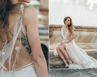 Haute couture wedding dress LOFGREIN with long train by RARA AVIS  • Exclusive wedding dress • Wedding dress with long train •