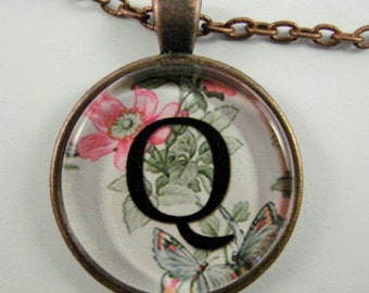 "Initial ""Q"" Necklace -- Spring pattern Personalized Letter Q Necklace, Wedding Necklace, Bridesmaid Necklace, Hen Night Necklace, Friendship"