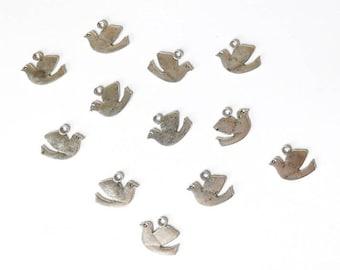 4 pcs Silver bird charm. Silver bird pendant.