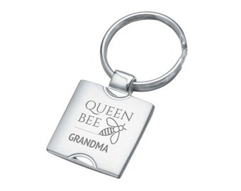 Engraved Queen Bee GRANDMA keyring gift, personalised square chrome keychain - 7161-BEE3
