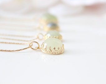 Autumn green necklace - Gold necklace set with pale green jade gemstone, pastel green necklace