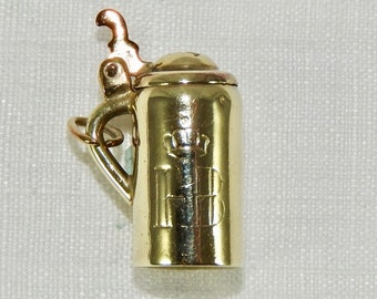 Vintage  8ct. Yellow  Gold ' Hofbrauhaus '  Beer Stein Charm.