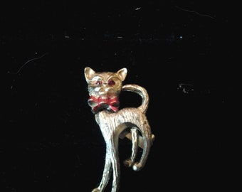 Vintage Gold Tone Cat Pin, Movable Head