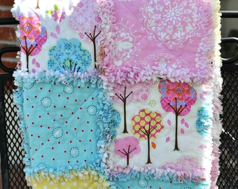 Rustic-Country Rag Quilt -Pink and Yellow-Beautiful Reversible Design