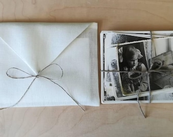 Set of 5.Photo Print/ Picture/ Card/Jewelry packaging.Off White Linen envelopes.Linen bags.Favor bags.Wedding/Brida/Baby. Size 4'x6', 5'x7'.