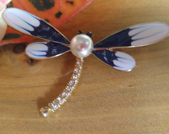 New Brooch, dragonfly brooch, Pin, dragonfly pin,  Rhinestones Brooch, Bling Bling, Crystal, Badge, insect brooch, pearl,charm, pearl brooch