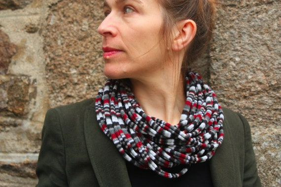 Promo Studio space. Grey/Burgundy/black striped knit scarf or MULTISTRAND necklace