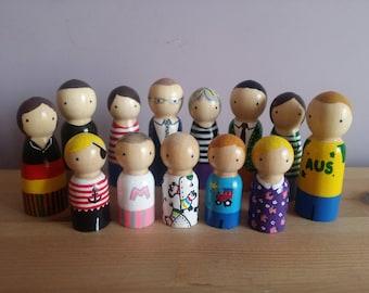 Personalised Peg Doll Family - custom family of peg dolls, personalised wooden peg dolls, custom peg doll family, peg doll cake topper