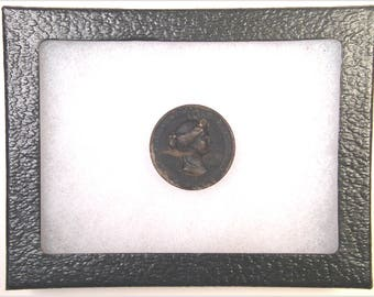 Lady Bust Button 1850-60