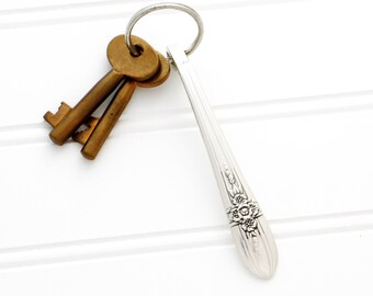 Vintage Handle Keychain. Spoon Key Chain. Silverware Key Ring. Farmhouse Chic Decor, Gift Idea For Her. Vintage Keyring.