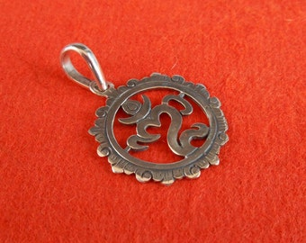 Balinese Silver sterling  Om Mantra Pendant / silver 925 / Handmade Jewelry amulet / (#145Km)