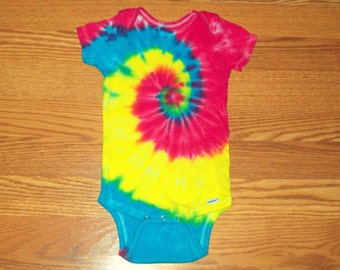 Tie dye onesie, all sizes 0-3, 3-9, 12, 18, 24, Sweet Spiral, tie dye baby onesie