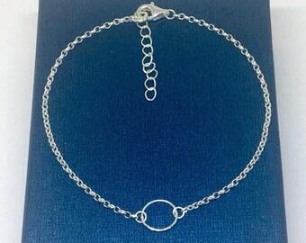 Dainty Sterling Silver Eternity Circle Bracelet, Sterling Silver Bracelet, Dainty Bracelet, Daughter, Sister, Best Friend, Wife Gift, UK