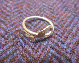 sterling silver roman style snake finger ring 22mm diameter