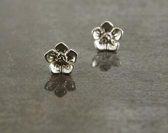 Pointed Petal Flower 925 Sterling silver stud/post earrings