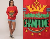80s Sweatshirt INTERNATIONALE CHAMPIONE Shirt Slogan Slouchy Retro Pullover 1980s Vintage Red Medium