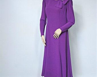 Vintage Dress 1970's Eggplant Cocktail Dress Elegant Evening Mother of Bride Party Dress Purple Size 10
