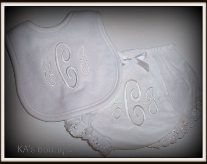 Monogram baby girl gift - Embroider baby gift - Personalized bloomer set - embroider bib and diaper cover set - Baby shower gift - bloomer