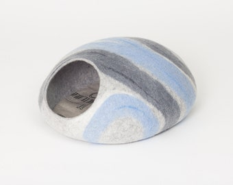 Cat bed/cat cave/cat house/blue-grey felted cat cave