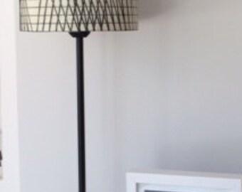 Lamp the original lines through a veil of bate