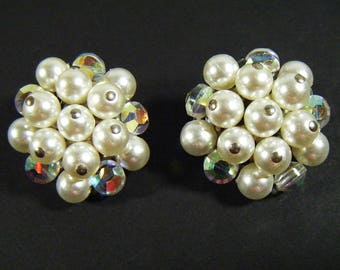 Vintage 60's Faux Pearl Cluster Clip On Earrings