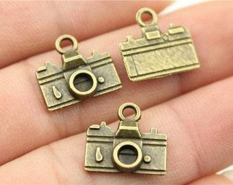 10 Camera Charms,  Antique Bronze Tone Charms (1J-56)