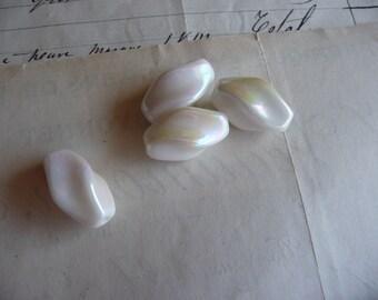 Vintage Deco White AB Swirl Glass Beads, 18mm, Bohemian Gablonnz