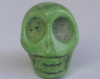1 great skull green 18mm - howlite