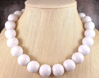 Big Necklace, White, Statement Necklace, Big Bead Necklace, Chunky Necklace, White Beaded Necklace, Beaded, Round Bead Necklace, Statement