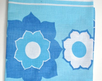 One Vintage Fat Quarter in blue and white