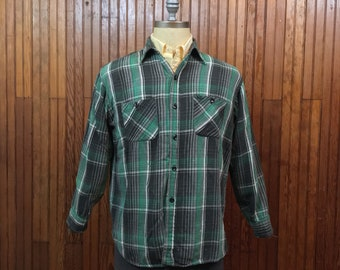 40s 50s Pilgrim Sears Flannel Work Shirt Men's Medium - Large Green & Gray Plaid Cotton W/ Gussets Rare!