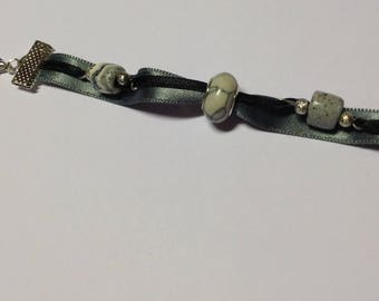 black and gray silver links bracelet