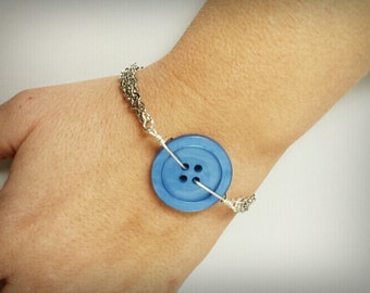 Blue Vintage Button Bracelet, upcycled recycled repurposed, button