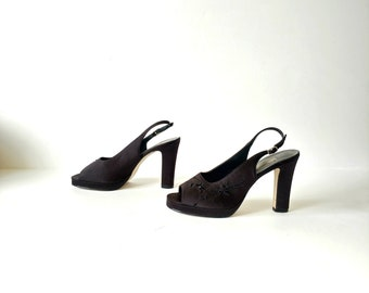 1990s Y2K Black Embroidered BEADED Fabric PLATFORM Peep Toe Slingback PUMPS Size 9.5