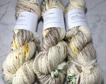 Plump Base | Lichen | Hand dyed speckled yarn | Bulky weight