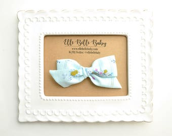 Vintage Baby Blue Floral Schoolgirl Hair Bow - Hand-tied hairbow-Evy bow -Cotton Baby Headband - Newborn Hairbow - Toddler Hair Clip