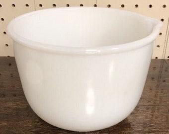 Vintage Glasbake Milk Glass Mixing Bowl w/Spout #20CJ for Sunbeam Mixer. ID15-31